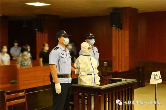 当庭宣判!广西藤县原县委副书记、县长覃仕平受贿900多万元,获刑10年插图4