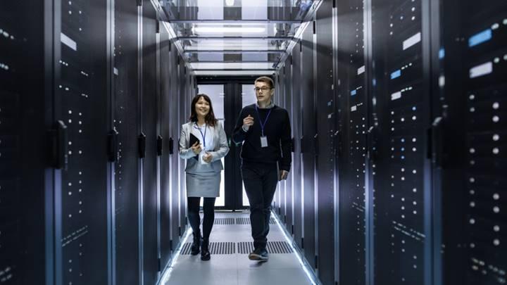 下一代快速连接技术 如何助力超大规模数据中心满足不断增长的需求
